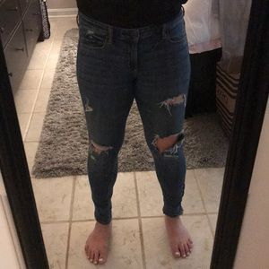 Ripped AE jegging